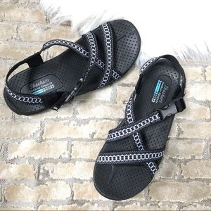 SKECHERS Outdoor Lifestyle *LIKE NEW** Sandals